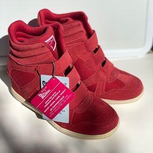 SKCH +3 Women's Suede High Top Sneakers Size 6.5